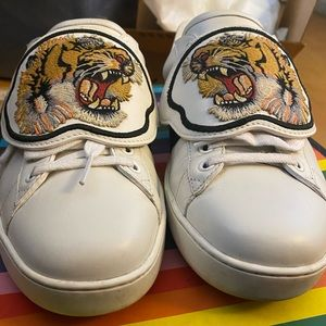 Gucci tiger patch ace shoes white leather